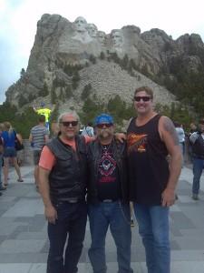 16 Sturgis 2014 Mobbing Mt Rushmore 450x